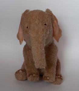 Ellye (elephant). Mint-Bird (2012).