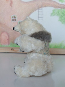 Friendly by Mint-Bird. 2016. 16cm (sitting). Mohair. OOAK